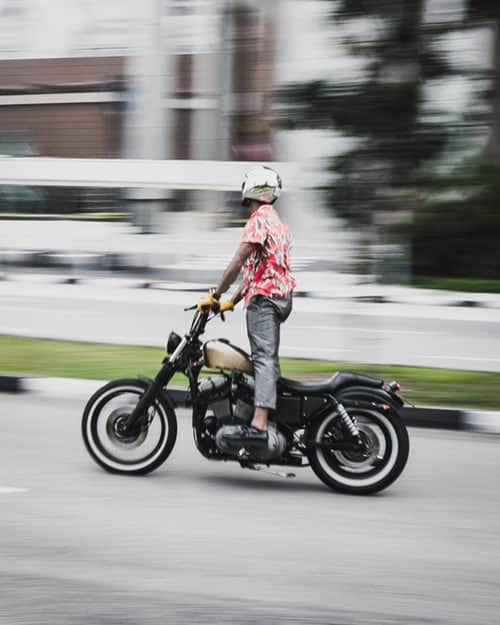 A Beginner's Guide on How to Ride a Motorcycle