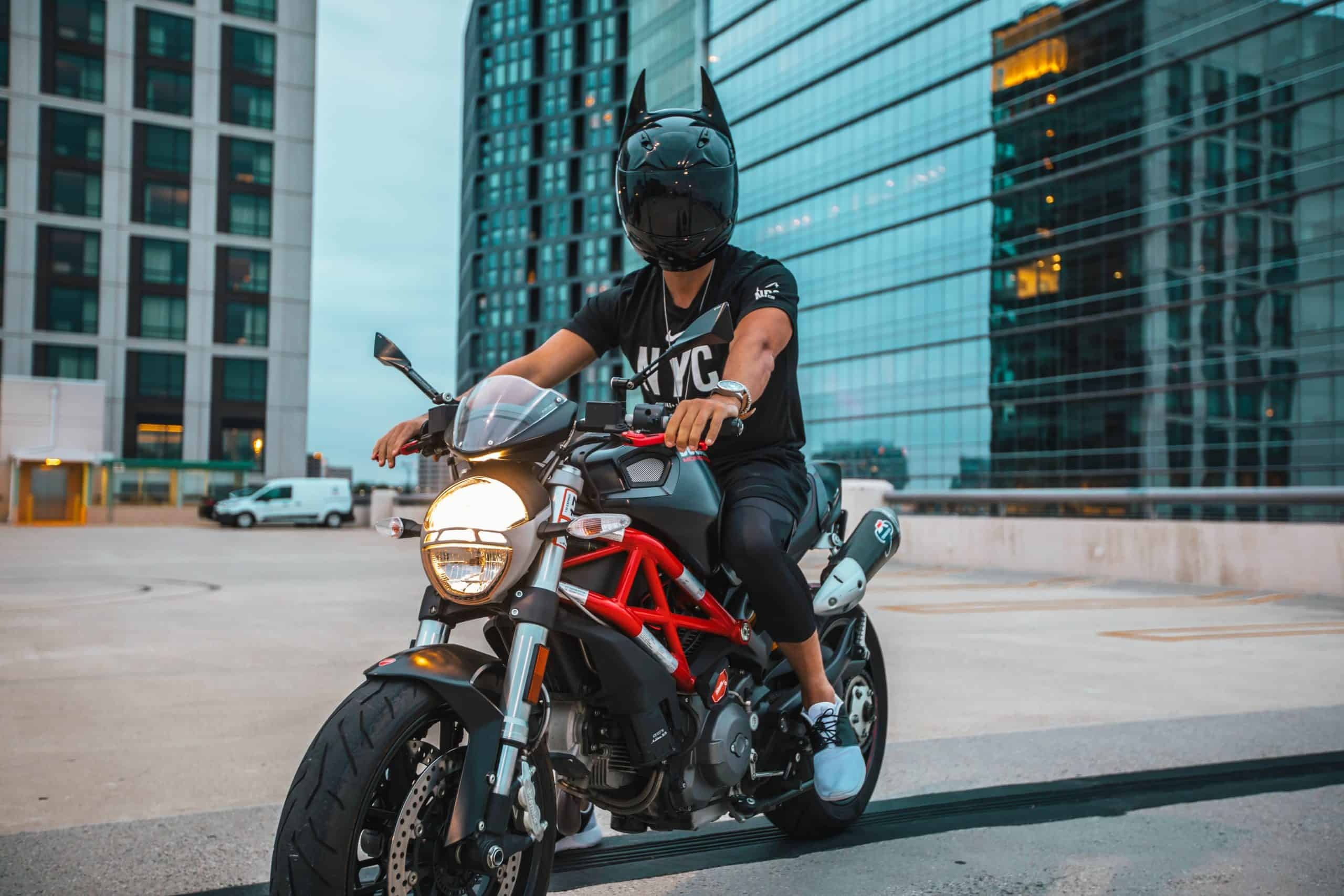 How Should Motorcycle Riders Behave On-Road